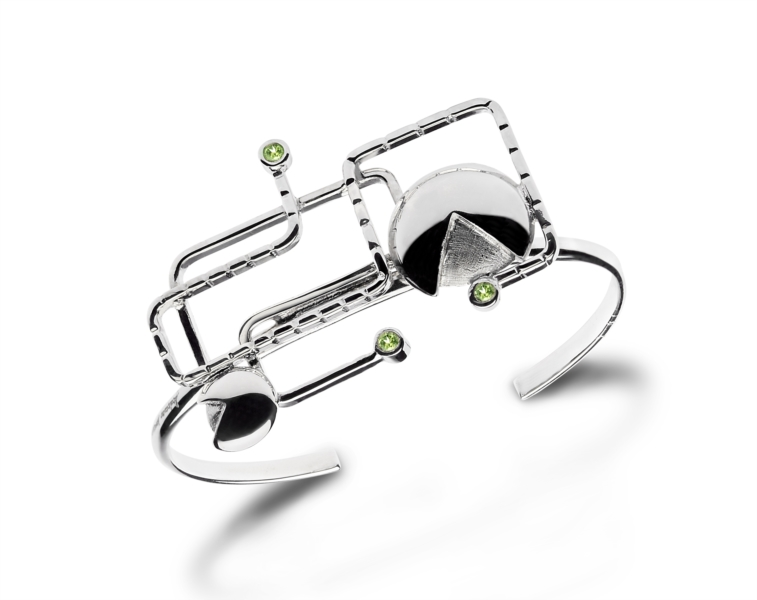 PAC-MAN rigid bracelet with peridots