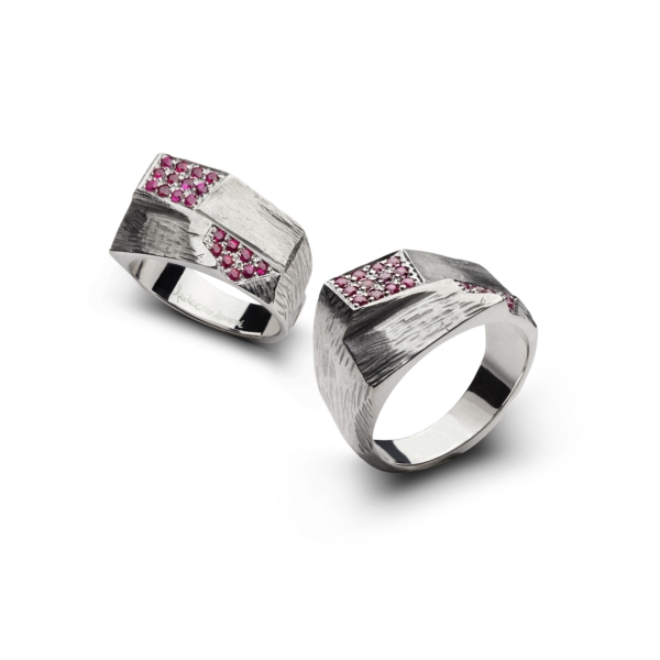 Pinky ring for man with rubies